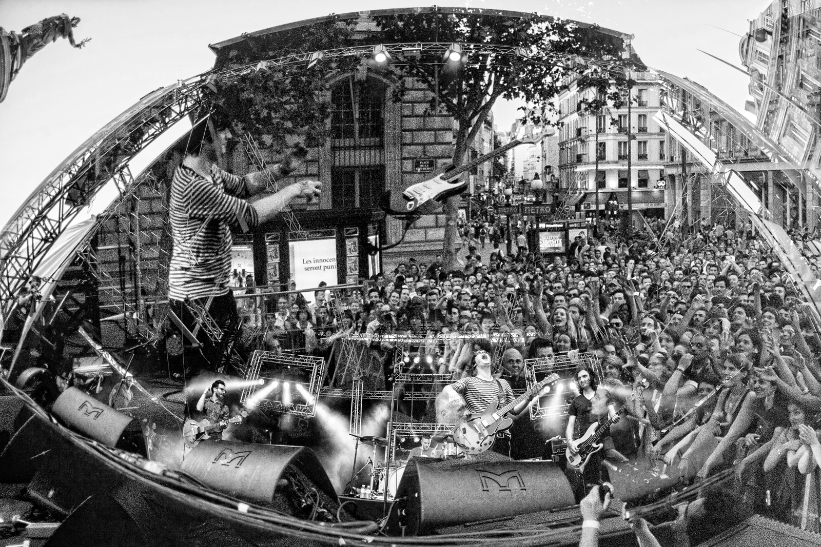 Photo Concert : Deportivo - Place de la République, Paris - 2013  | ©Rod Maurice